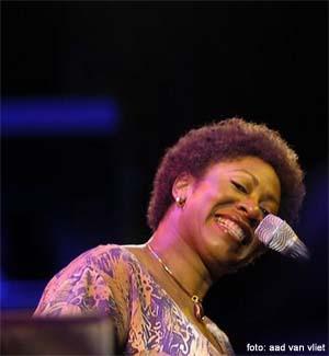 Photo of Penyanyi Jazz Denise Jannah dari Suriname kembali hadir di Jakarta