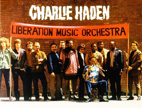 Photo of Charlie Haden menerima Lifetime Achievement Award dari Grammy