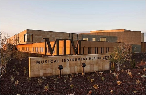 Photo of Musical Instrument Museum pamerkan gitar Charlie Christian bulan Mei