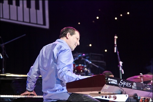 Photo of Geliat fusion Jeff Lorber di Djarum Super Mild Jak Jazz 2012