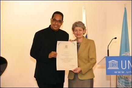 "Photo of Pianis jazz Danilo Pérez dianugerahi ""Artist for Peace"" oleh UNESCO"