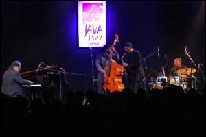 kenny-garrett-quintet-jjf-2013.jpg