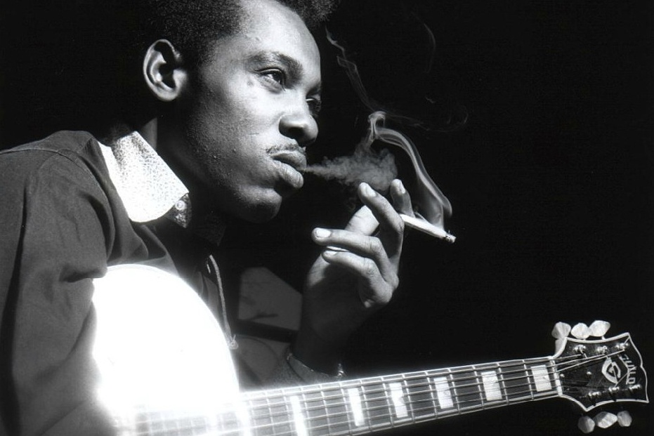 "Photo of George Benson Akan Merilis ""Benson: The Autobiography"""