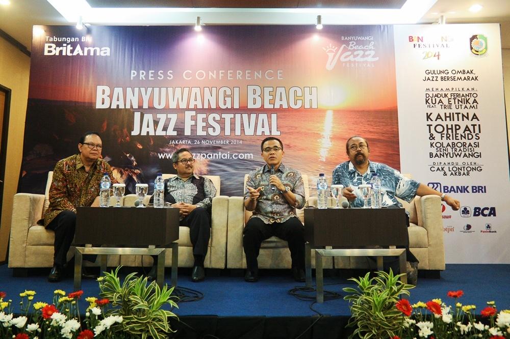 """Photo of BritAma Banyuwangi Beach Jazz Festival 2014: """"Gulung Ombak, Jazz Bersemarak!"""""""