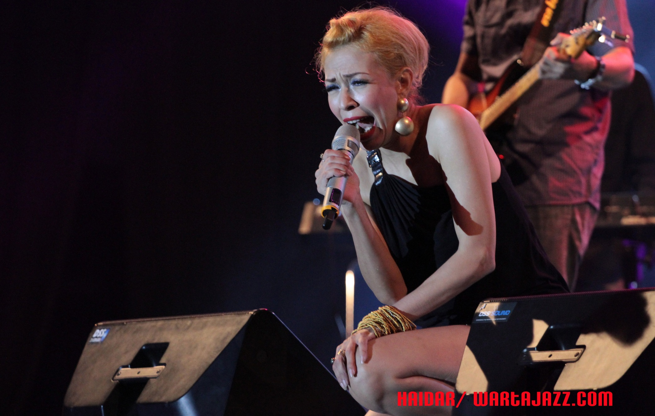 Photo of Reuni dan Nostalgia di hari kedua Bank Jatim jazz traffic festival 2014