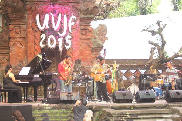 Photo of Koko Harsoe tampil menawan di Ubud Village Jazz Festival 2015