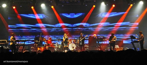 Photo of Nostalgia di Economic Jazz Live bersama Krakatau Reunion & Casiopea 3rd