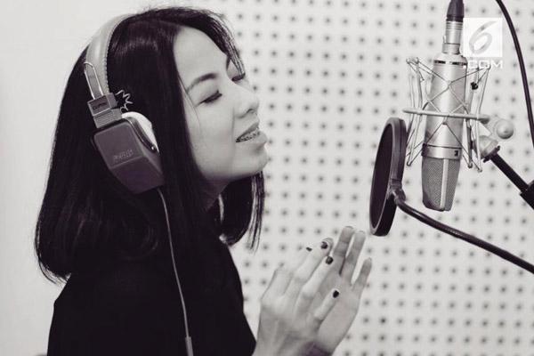 Penyanyi Amelia Ong