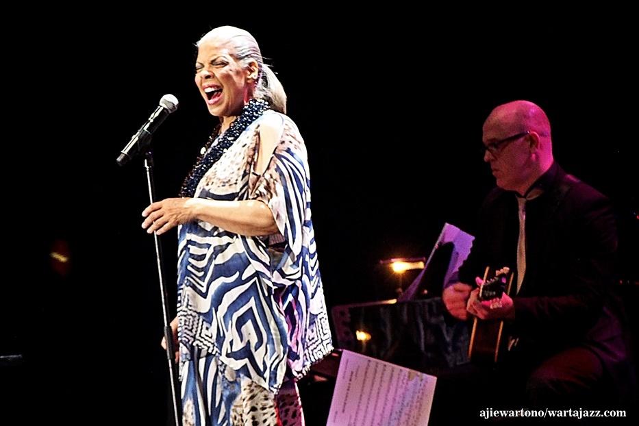 Photo of Patti Austin, Concertgebouw, Dan Lagu Ella Fitzgerald di Java Jazz Festival 2016