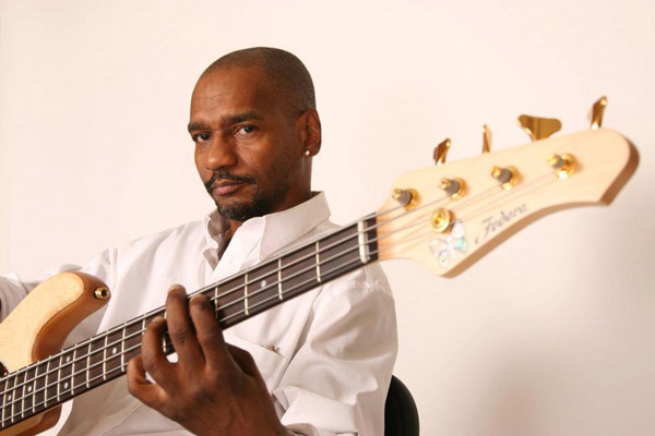 Photo of Bassis Victor Bailey tutup usia