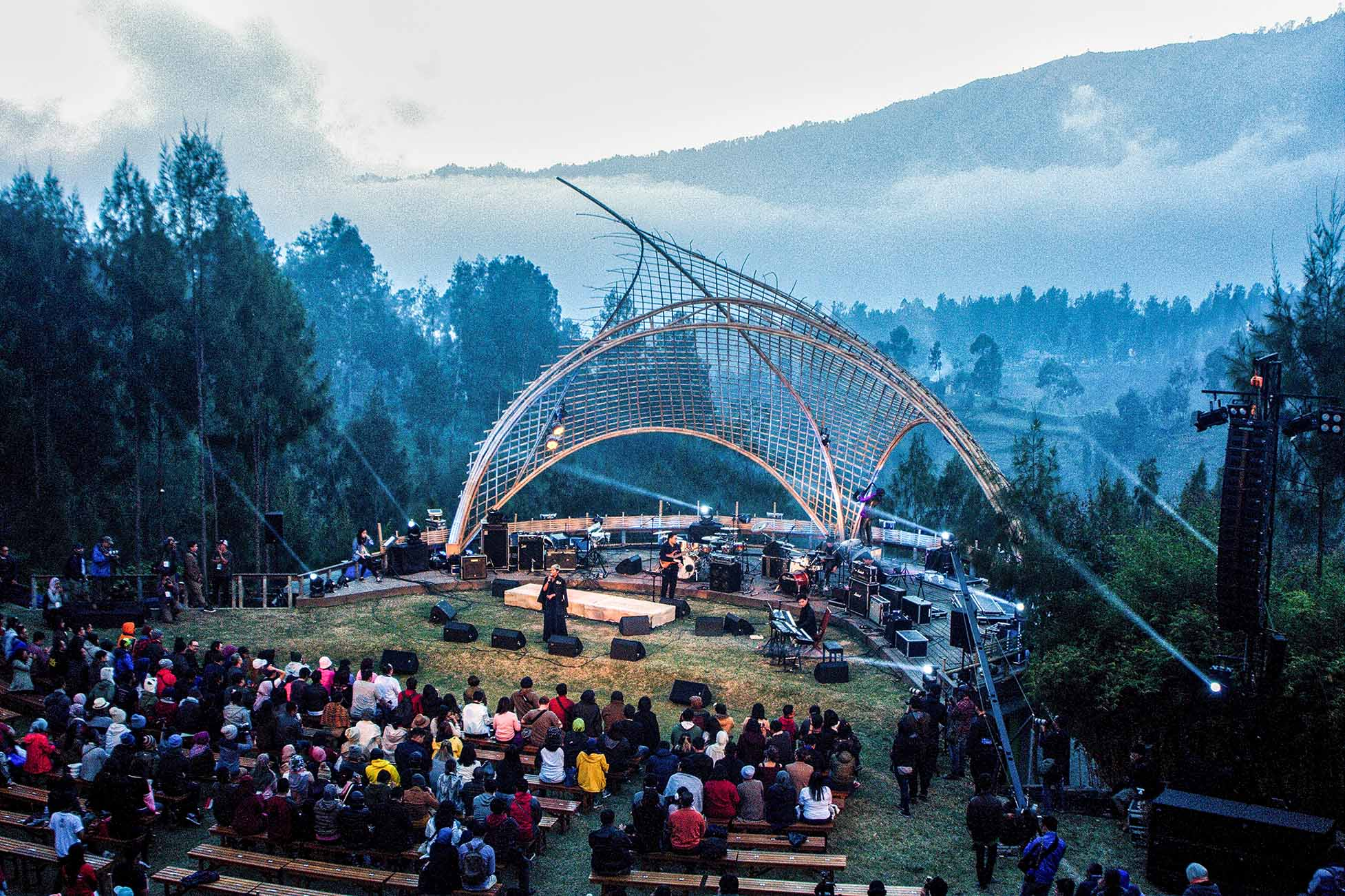 Photo of Gema KeIndonesiaan di Jazz Gunung 2017