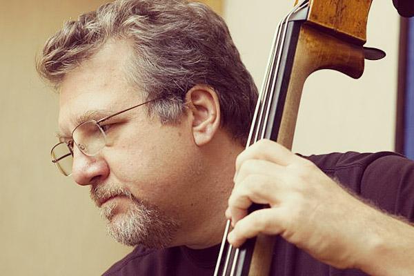 Photo of Michael Formanek – Pendidik Bass