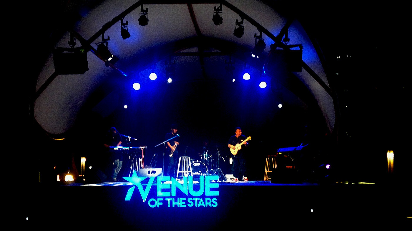 Photo of Harry Toledo & Teffy Mayne Kolaborasi PAL JAZZ di Avenue of The Stars