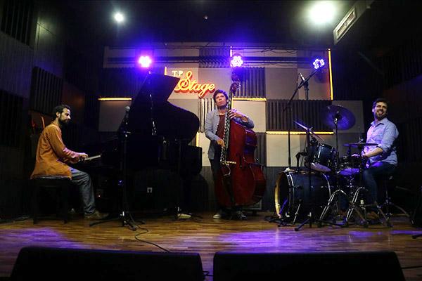 Photo of Farabi Big Band, Dwiki Dharmawan dan EYM Trio Ramaikan Panggung TP Jazz Weekend